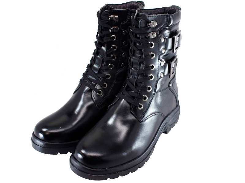 8_boots_001